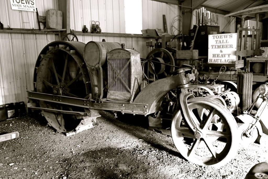 One Rear Wheel Tractor